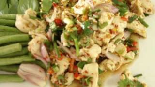 THAI FOOD COOKING: LAAB GAI (CHICKEN IN SPICY AND SOUR SALAD)
