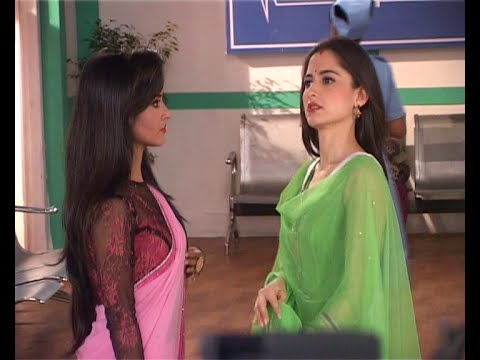 Video Cat Fight Between Dhaani And Kamini For Viplav in