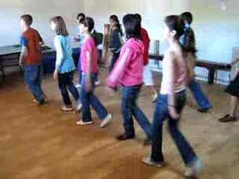6-th form kids dancing country