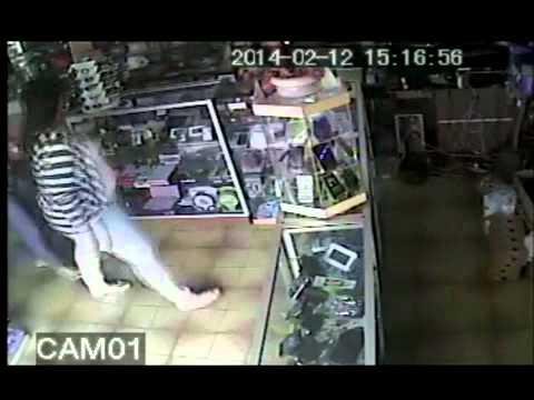 www.valencaonline.com -- Mulheres flagradas roubando loja no centro de Valença do Piauí