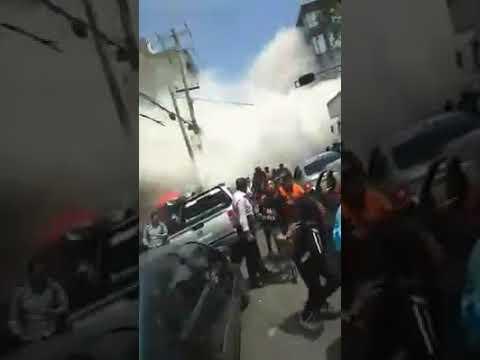 Caida del edificio calle San Luis Potosí y Medellin Sismo 19 de Septiembre de 2017 (видео)