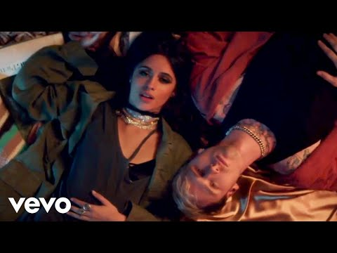 Machine Gun Kelly, Camila Cabello - Bad Things (видео)