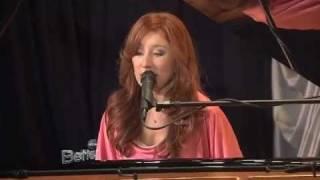 Tori Amos - Edge of the Moon @ Better TV 2011