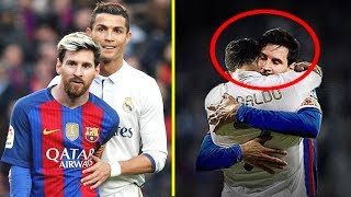 Video Cristiano Ronaldo vs Lionel Messi |  Momentos Hermosos #RESPECT MP3, 3GP, MP4, WEBM, AVI, FLV Februari 2019