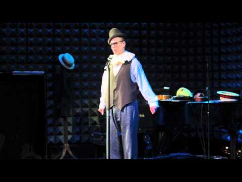 Bill Irwin - Approriately for the downdown home of the New York Shakespeare Festival, Bill Irwin gives a crash course in Lear. Video by Kevin Yatarola http://www.kebya.com.