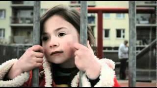 video de NIÑA DESTRUYE MATRIMONIO EN 5 SEGUNDOS ¡IMPRESIONANTE!