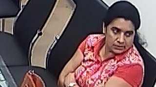 Woman caught on camera stealing gold jewelry