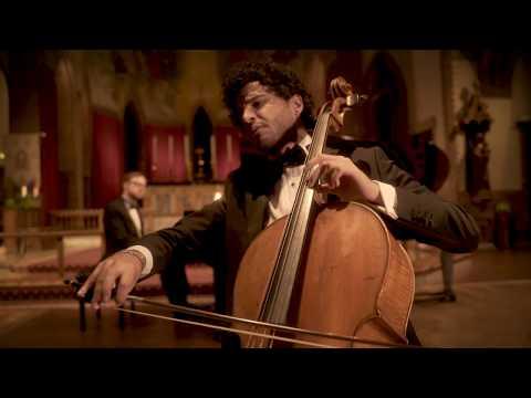 See video Schubert - Ave Maria