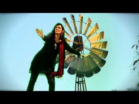'Interroge le vent' : Poème de Nicole Coppey