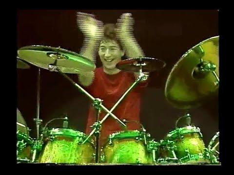 Simon Phillips drum solo - TOTO live 1999