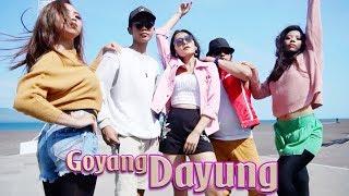 Video Vita Alvia feat. RapX - Goyang Dayung [OFFICIAL] MP3, 3GP, MP4, WEBM, AVI, FLV November 2018