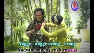 Angge angge orong orong klip Ratna Antika feat Sodiq MUTIARA ined  ; }