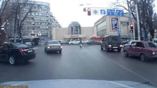 Полицейские высмеяли пропустившего авто водителя