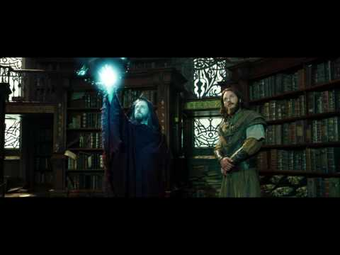 Warcraft (Clip 'Medivh Finds Khadgar Snooping in the Library')