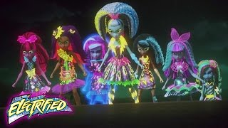 Nonton Ghouls Vs Zomboyz   Monster High    Electrified Film Subtitle Indonesia Streaming Movie Download
