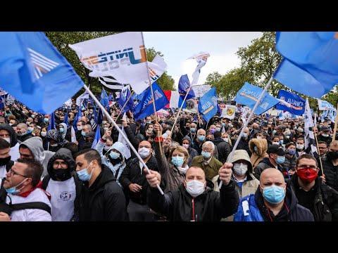 France : des milliers de policiers en colère rassemblés devant l'Assemblée nationale
