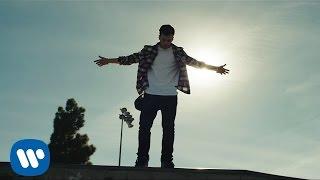 David Carreira - Rien à Envier (Clip officiel) - YouTube