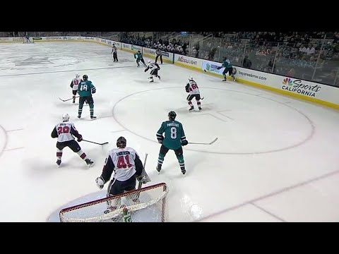 Video: Sharks' Pavelski tips home Couture's wrister
