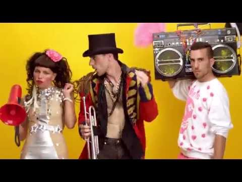 Sam and the Womp – Bom Bom