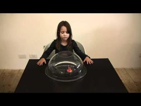 telecinesi esperimento controllato - bambina con superpoteri shock video