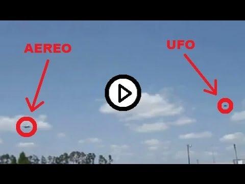 un ufo attraversa a tutta velocità una nuvola! incredibile!