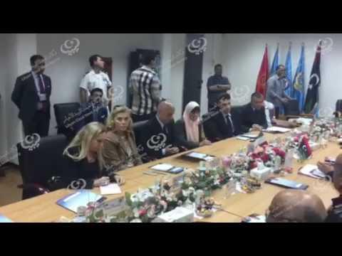 وزير الداخلية الإيطالي يصل طرابلس