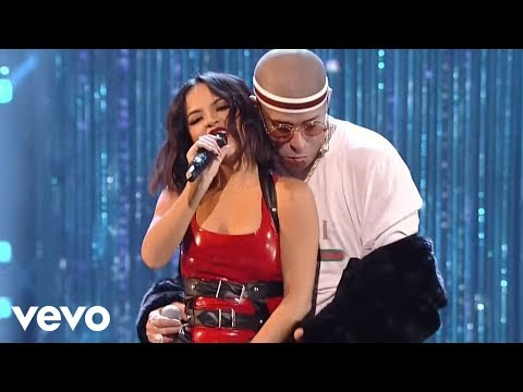 Video Becky G, Bad Bunny - Mayores (2017 Latin American Music Awards) download in MP3, 3GP, MP4, WEBM, AVI, FLV January 2017