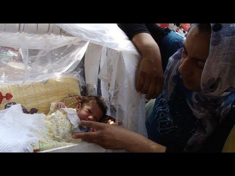 Iraq: Baby Hawler in Qushtapa Park