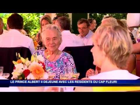 S.A.S. le Prince Albert II partage un repas convivial avec les résidents du Cap-Fleuri