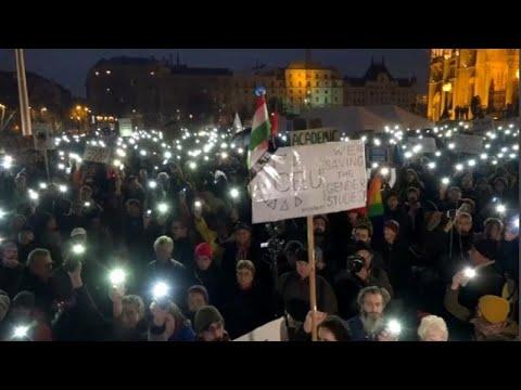 Ungarn: Protest gegen Schließung der Soros-Universi ...