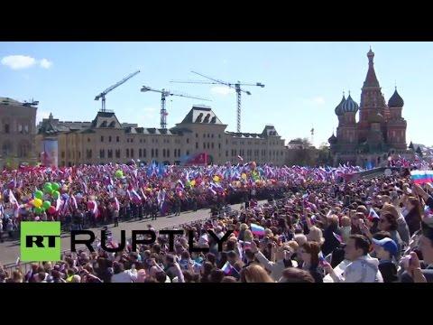 Día Internacional de los Trabajadores: 100.000 personas marchan en la Plaza Roja