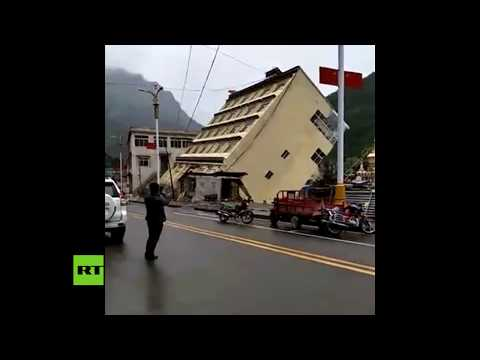Devastador: Un río 'se lleva' un edificio de 5 plantas en China (видео)
