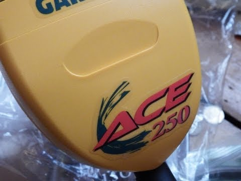 GARRETT ACE 250 DELUXE SPORTS PACKAGE METAL DETECTOR UNBOXING