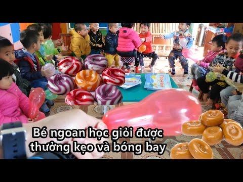 Bóng bay và kẹo sắc màu cho trẻ em - Tặng kẹo, bóng bay cho những em bé ngoan học giỏi.