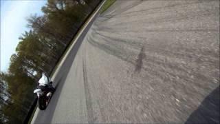 8. KTM RC8R w/Q2 vs Yamaha R6 w/AMA Spec D211GPA