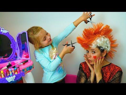 Mommy & Margo Play Pretend Beauty Salon  Make up Hair Salon Toys