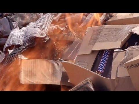 Γάζα: Στην πυρά 15 τόνοι Snickers και Μαrs