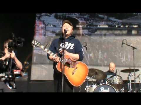 Tekst piosenki Kurt Nilsen - Tro po polsku