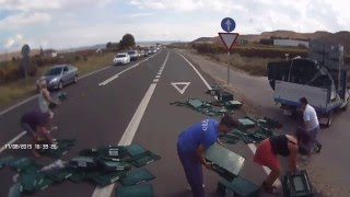 Fraga Spain  city photo : Stupid driver gets help from other drivers near Fraga, Spain 17.08.2015