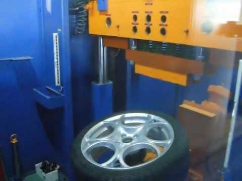 Тест литых дисков WSP Italy W257 ROMEO на удар спицы (Альфа-Ромео)
