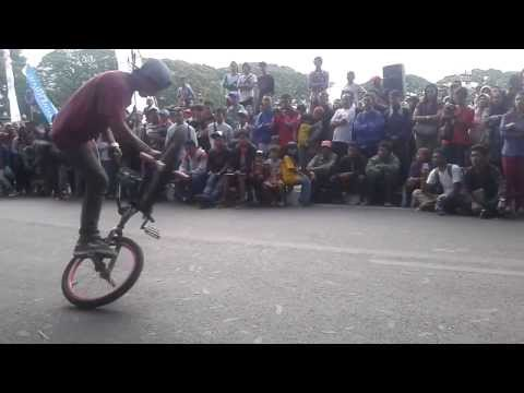 Bishrey Mushtofa, Final Run at Malang Fest and Reunion 2013vid-thumb Click here to watch