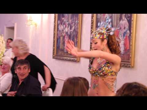 Шоу на свадьбу Восточная танцовщица Алия Одесса arthall.od.ua