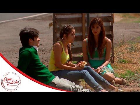 Chicharito decide huir con Alba y Berenice | Quien hace un cesto... | Como dice el dicho
