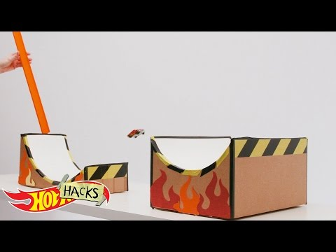 Scoop Jump | Hot Hacks | Hot Wheels