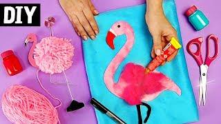 Me acompanha também lá no Pinterest: http://bit.ly/danymartinesCanal da Camila: https://www.youtube.com/camilacamargotNo vídeo de hoje, finalmente eu e a Camila Camargo vamos fazer ideias de Flamingo que vocês pediram. Vamos aprender?ツ Você sabia que curtir o vídeo me ajuda muito? é assim que sei o quanto você gostou do vídeo e trago mais coisas parecidas.*******************************************************************➼ SEJA MEU AMIGO NAS REDES SOCIAIS E SAIBA DE VÁRIAS NOVIDADES:❥ Facebook: http://www.facebook.com/DanyMartinesDiY❥ Instagram: https://www.instagram.com/danymartines/❥ Pinterest: https://br.pinterest.com/danymartines❥ Snapchat: Dany.Martines❥ Twitter: DanyMartines📫  Caixa Postal 79595 CEP: 05181-971  São Paulo – SPღ Minha Coleção de Quadros: https://moldurapop.com/Dany_Martinesღ Loja: http://www.blackpanda.com.br*******************************************************************☞ Link para Download do Molde:❧ Google Drive: https://goo.gl/HQX7qF❧ Álbum na FanPage:  https://goo.gl/FD9qMC❧ Álbum no Pinterest: https://goo.gl/GK1cip ✂ ✂ ✂ Material Necessário: DIY 1 - Flamingo porta foto➺  Lã rosa➺  Tesoura➺  Biscuit➺  Arame➺  Impressão Flamingo➺  Cola quente➺  Arame pra fotoDIY 2 - Quadro Flamingo➺  Tinta PVA pink, verde e cinza➺  buchinha➺  Contact➺  Tela pra pintura➺  Marcador preto➺  Lantejoulas➺  ColaDIY 3 - Almofada Flamingo➺  Velboa azul e rosa➺  Tule rosa➺  Zíper 40 cm➺  Máquina de costura➺  Enchimento de almofada➺  Cola universal➺  Tesoura➺  Feltro laranja e preto🌟 Espero que tenha gostado do vídeo, e não esqueça de deixar um comentário aqui embaixo, eu quero saber a sua opinião! Vejo você por aqui ou pelas Redes Sociais, me segue lá! Eu amo todos vocês! 💕Um Beijo pra todo mundo, tchau tchau 💋