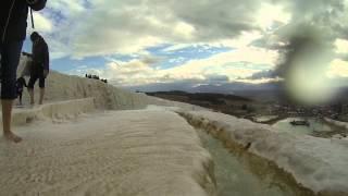 Bañarme en el castillo de algodón (Pamukale) en Turquía