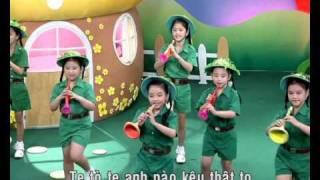 Đội kèn tí hon - Giai điệu thần tiên 2.avi