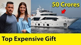 Video Top Most Expensive Gifts Given By Bollywood Celebrities | Anushka Sharma, Alia Bhatt, Aishwarya Rai MP3, 3GP, MP4, WEBM, AVI, FLV April 2018