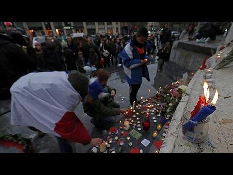 Παρίσι: Συγκίνηση στις εκδηλώσεις μνήμης των τρομοκρατικών επιθέσεων