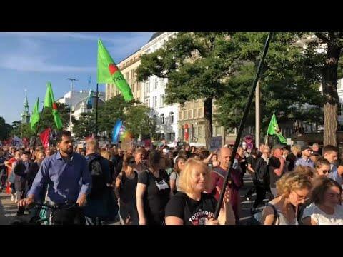 Διαδηλώσεις υπέρ και κατά των μεταναστών στο Αμβούργο